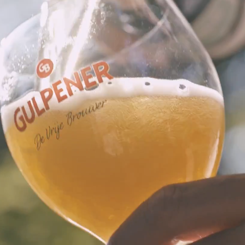 bedrijfsfilm gulpener bier inschenken glas