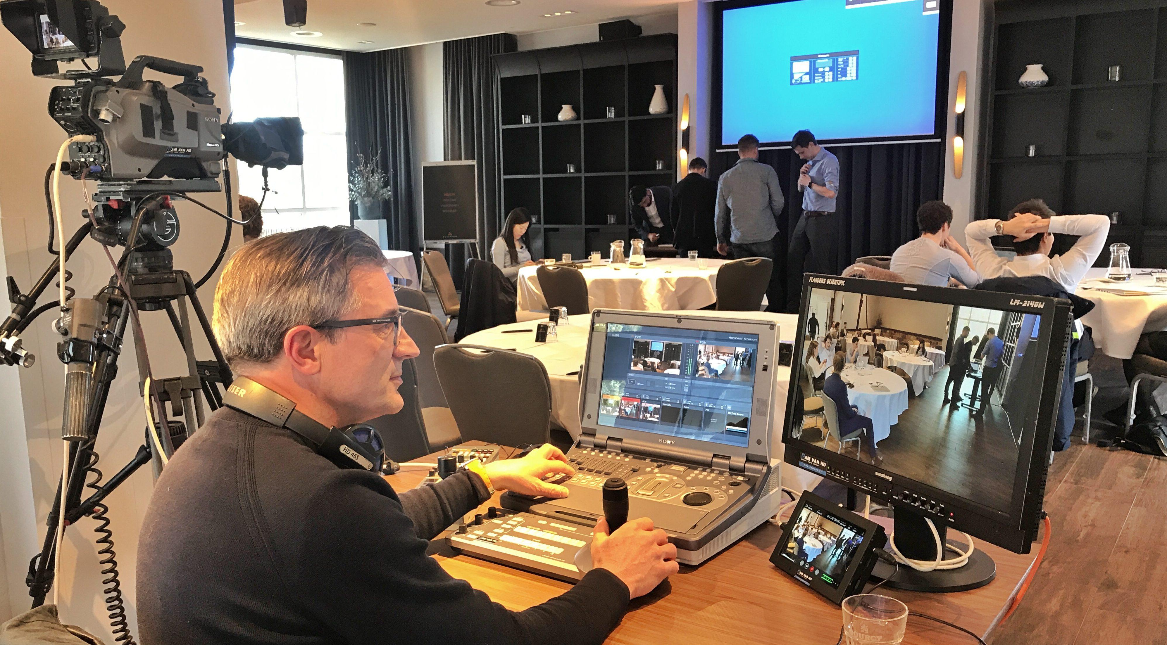 Coen Schmitz doet de editing van live registraties